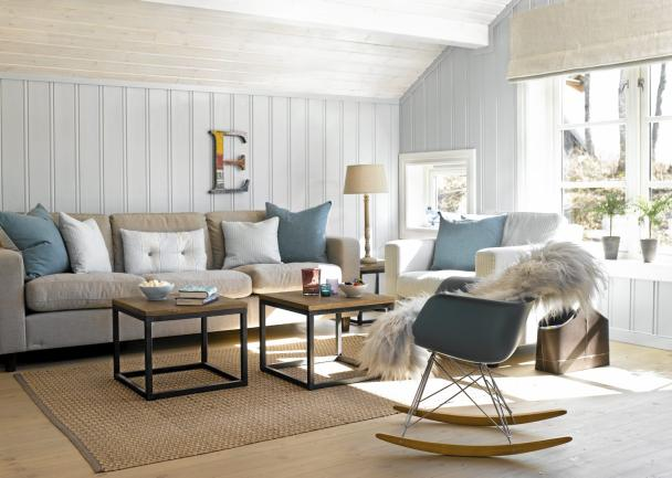 une cabane bleu gris inspir e par la mer en norv ge planete deco a homes world. Black Bedroom Furniture Sets. Home Design Ideas