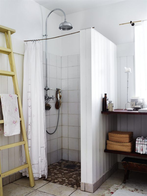 Een ladder in de badkamer - Douche decoratie ...