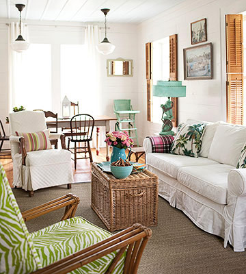 Coastal style a bright beach house for Cottage home decor