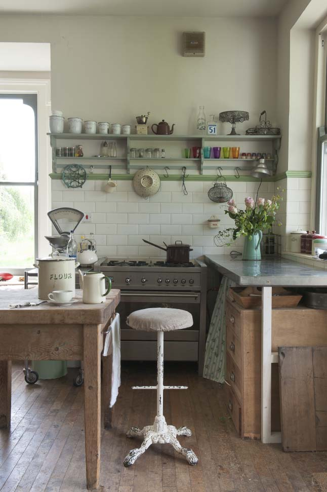 Kitchenettes Rustique And Cuisines Minuscules On Pinterest