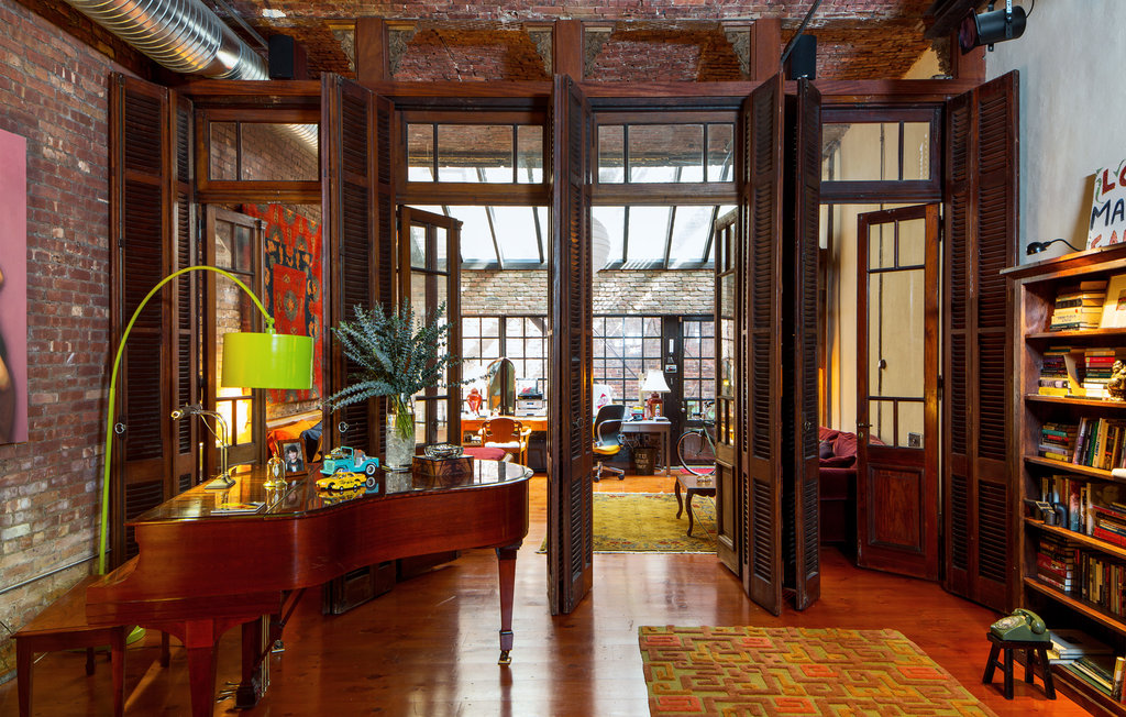 Decordemon eclectic loft in new york for New york style curtains
