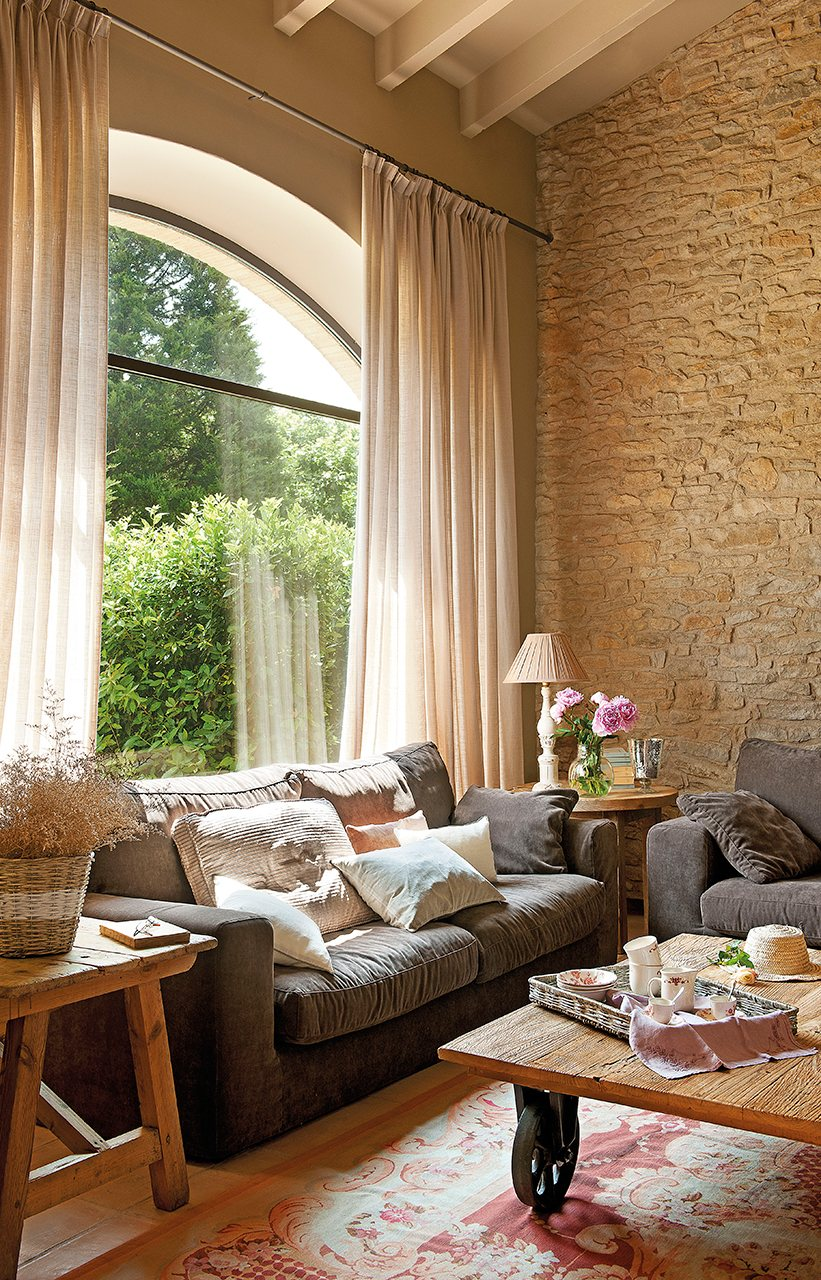 Decordemon a stone country house in spain for Casa interior