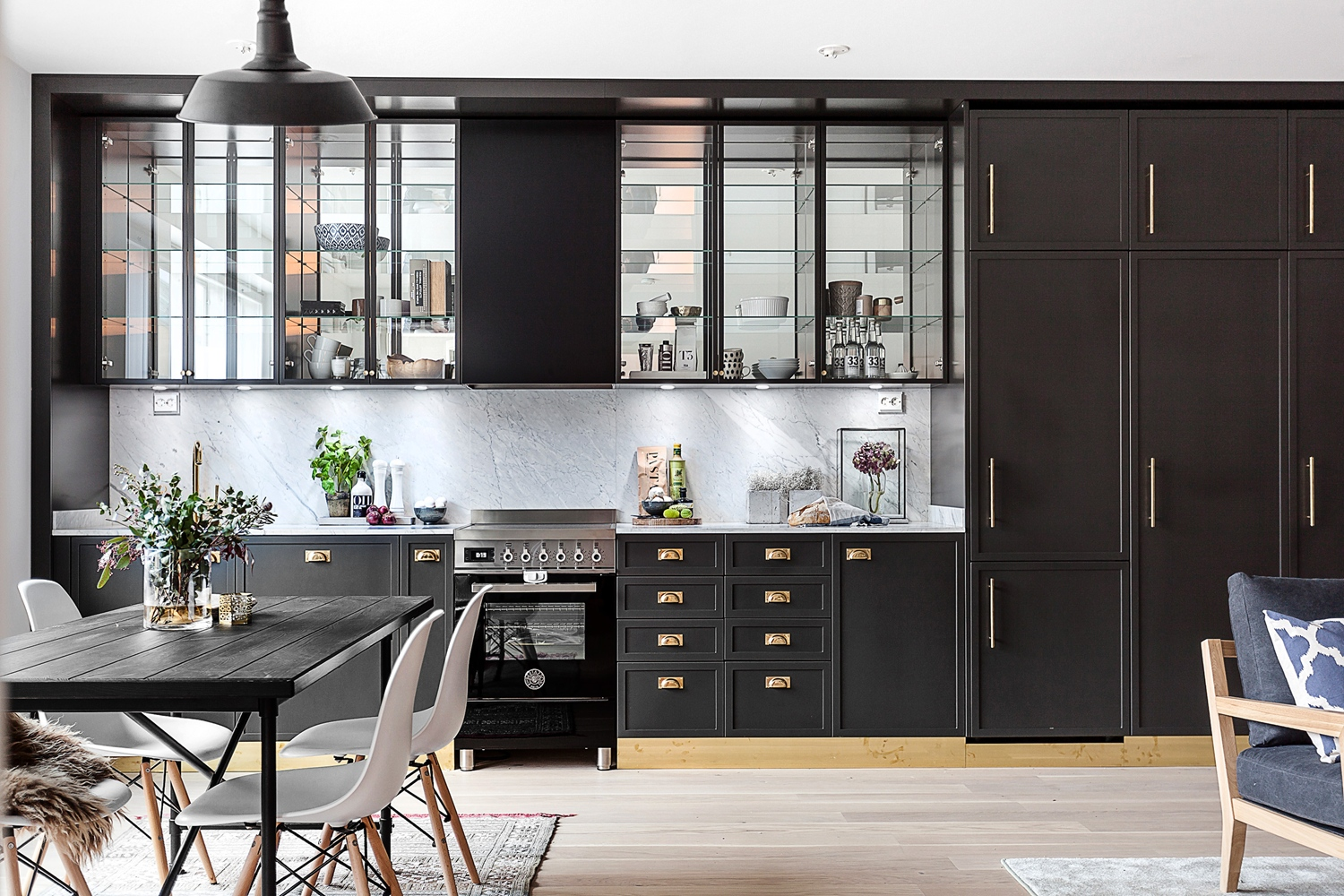 Anthracite et laiton planete deco a homes world