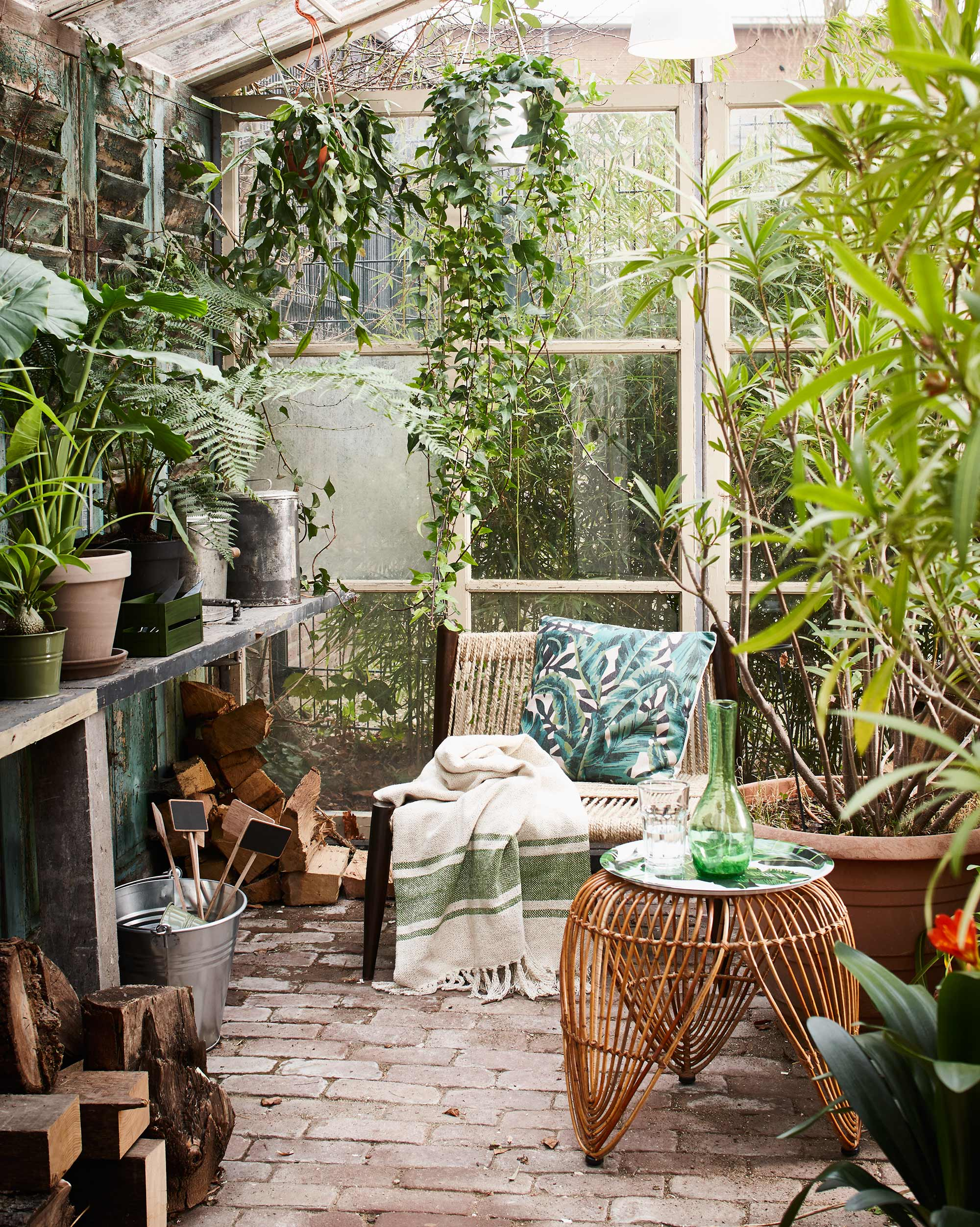 Apporter la nature dans la maison planete deco a homes world for Plantes vertes maison
