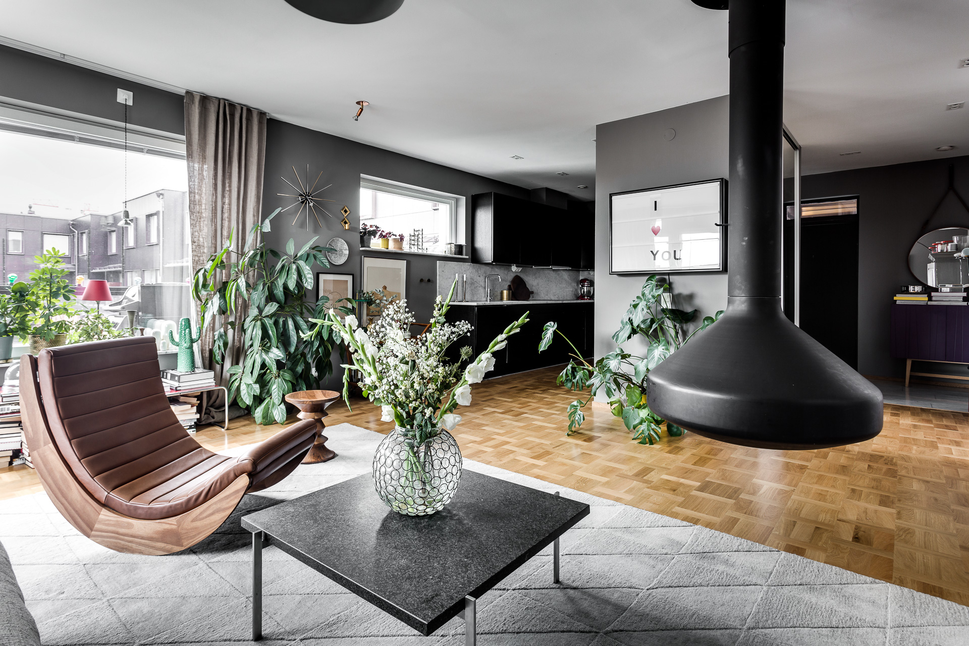 Cheminée design pour appartement gris - PLANETE DECO a homes world