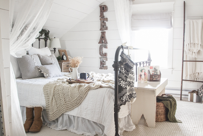 Une chambre d cor e pour no l planete deco a homes world for Chambre decoree