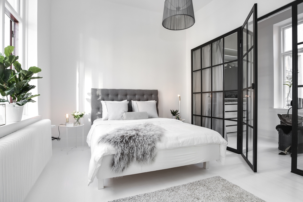 un dressing derri re la verri re planete deco a homes world. Black Bedroom Furniture Sets. Home Design Ideas