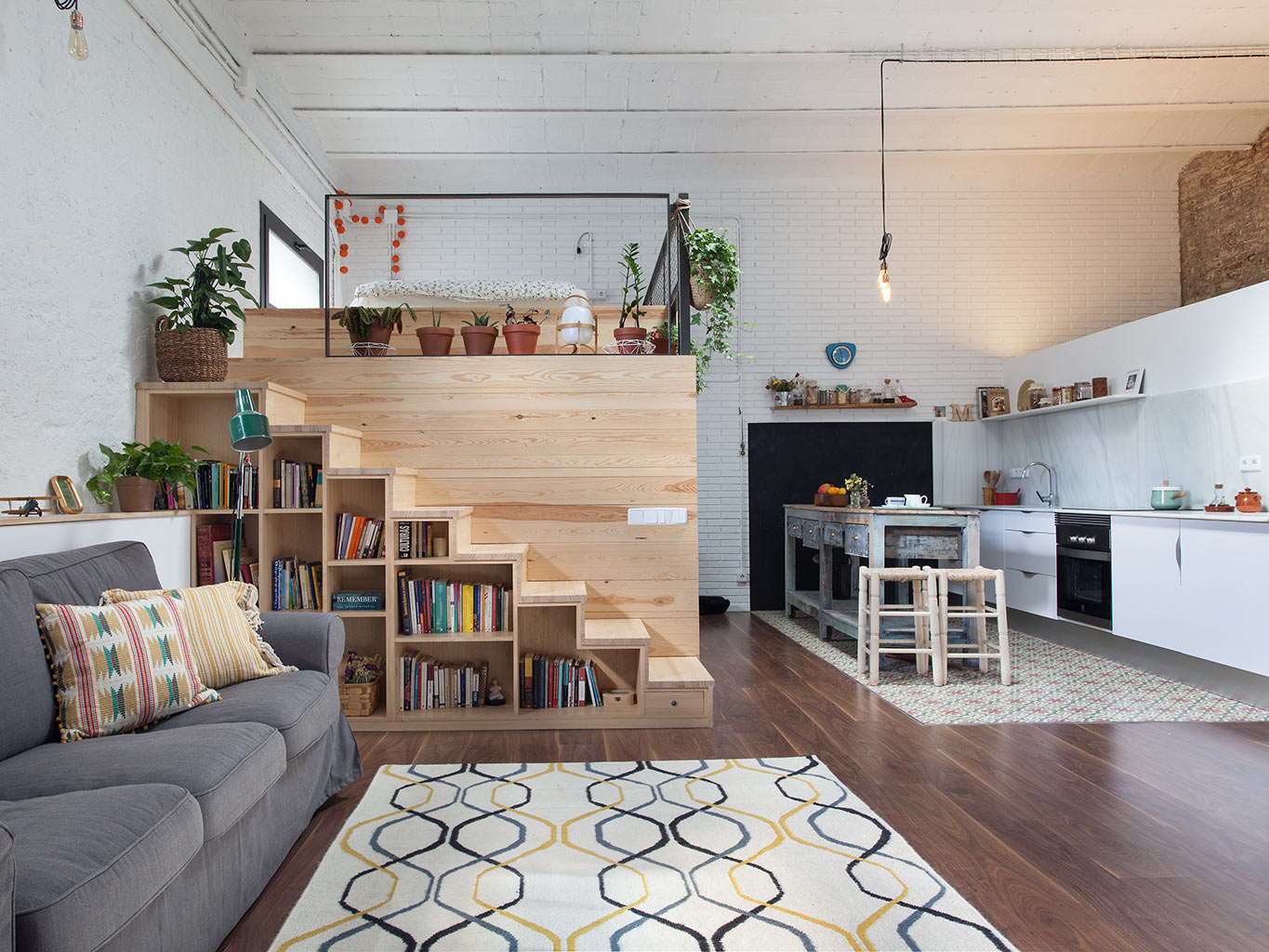 A barcelone un garage transform en loft planete deco a for Un poco chambre separee