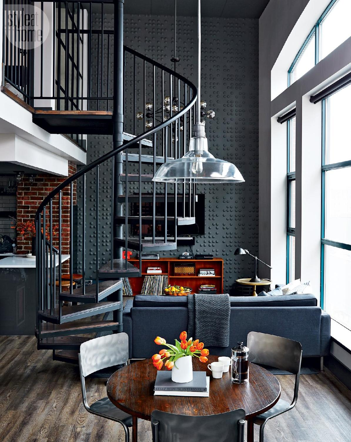 Un loft industriel au look vintage toronto planete deco a homes world - Deco loft industriele ...