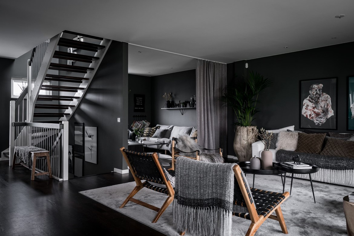 sombre atmosph re pour un appartement su dois planete deco a homes world. Black Bedroom Furniture Sets. Home Design Ideas