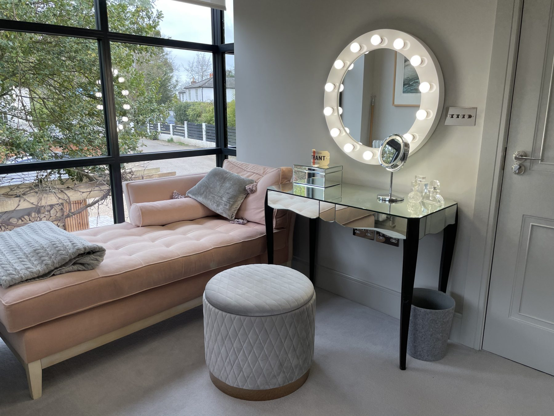 chambre avec daybed rose